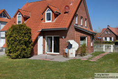 Ferienhaus Luechtfuer Norden-Norddeich - Gartenansicht